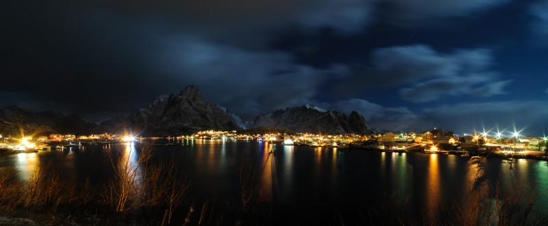 NIKON D700 @ 14mm, 30 sec., f/11, 800 ISO, 2015;Europe;Norway;lofoten islands